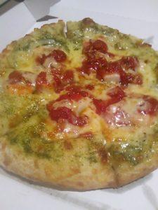 ピザポケットのピザ(バジリコシーフード)の写真