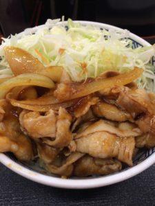吉野家の豚生姜丼の写真