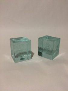 ブログに使う写真撮影用のグッズとして買ったガラスキューブの写真