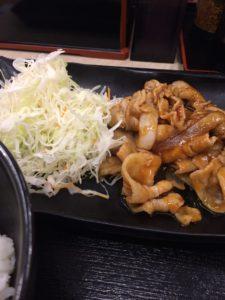 吉野家の豚生姜定食の写真