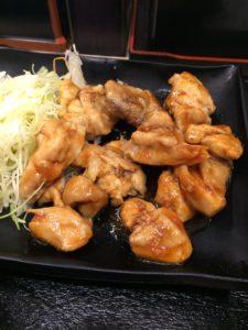 吉野家の鶏生姜定食の写真